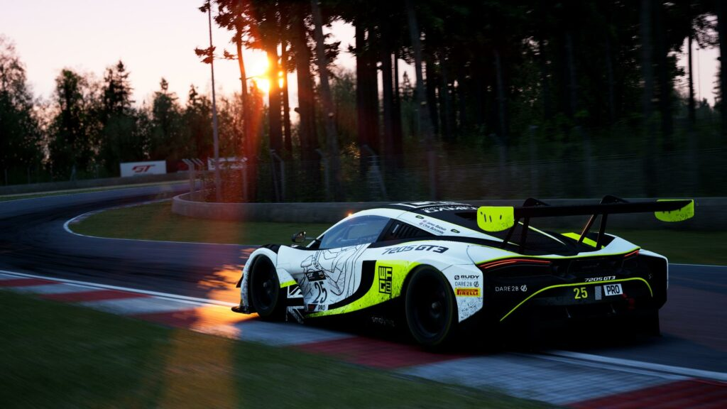 McLaren 720s GT3 in Assetto Corsa Competizione